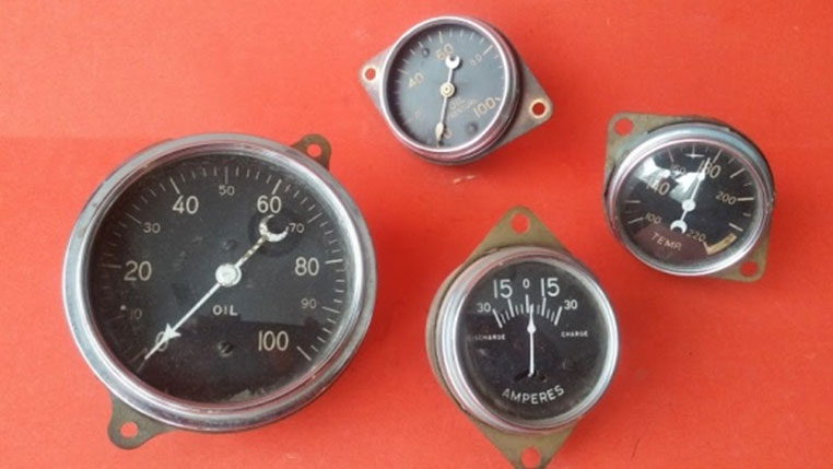 Chris Craft. Set of four Pre-War Stewart Warner gauges