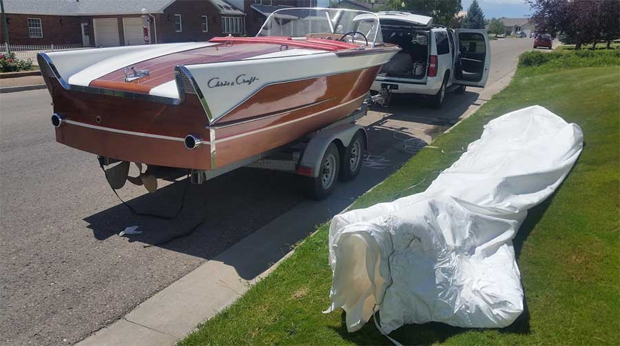 Chris Craft 21 ft Capri, 1957  New 454 Motor, Chevy  New interior
